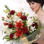 Эффектно поздравьте близких цветами