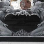 Сравнение памятников из гранита и мрамора